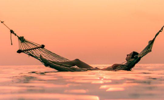 detenerse-serenarse-descansar-para-sanar-Thich-Nhat-Hanh-Manelun